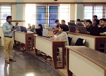 Day Two of Digital Marketing Workshop for MBAs organized by IIMC & Makeintern