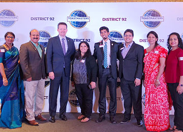 Dr. Molly Chaudhuri interacts with Mr. Daniel Rex, CEO of Toastmasters International
