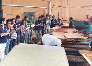 MBAs visit Friends Plywood & Bharati Shipyard for industry exposure