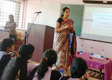 MBAs conduct an Employment Training Programme at GFGC, Udupi