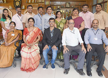 10th Rank holder in VTU MBA Exams 2017-18 visits his alma mater