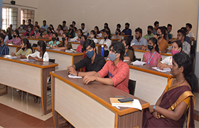 Head HR-Reliance Industries Ltd (Oil & Gas) conducts classes for First year MBA on Managerial Communication Subject